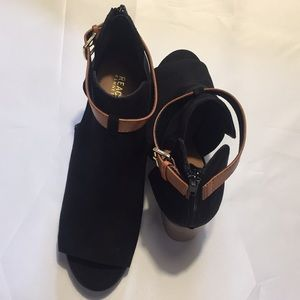 Kenneth Cole Reaction Womens Black Size 9.5 M